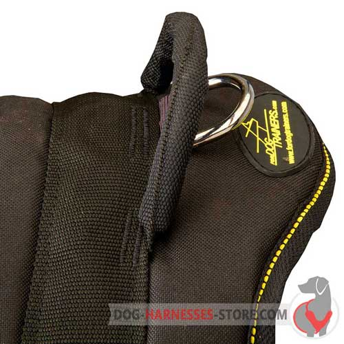 Dog harness with strong and comfortable handle