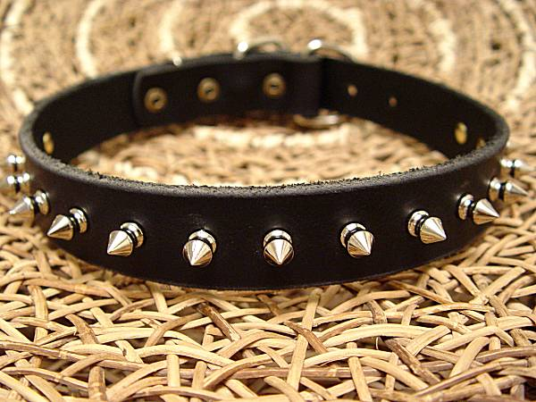 Leather spiked dog collar-1 Row of spikes collar for all breeds for dog training or for dog owners